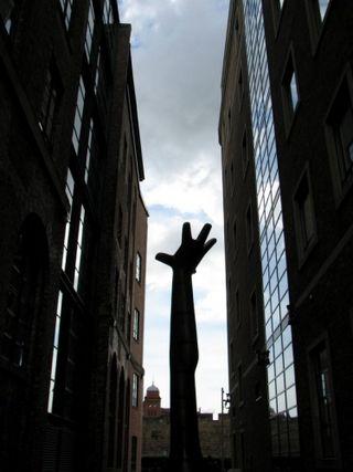 Kenneth-armitage-sculpture-123578-l